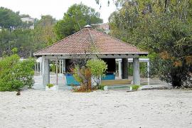 El chiringuito del parque de Mondragó lleva diez años abierto de manera ilegal