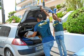 Un cliente intenta asfixiar sin motivo a un taxista de madrugada en s'Arenal