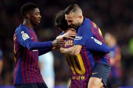 El Barça cierra el año en el ático de la Liga