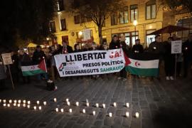 Concentración en Cort a favor de la liberación de presos saharauis