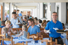 El número de trabajadores peninsulares que llega a Baleares se duplica en seis años