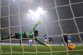 Muere un aficionado durante los enfrentamientos previos al Inter-Nápoles