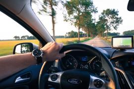 Asociaciones de automovilistas y motoristas, en contra de bajar la velocidad en las carreteras