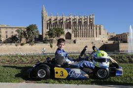 Lucas Fluxá luce su título nacional de karting