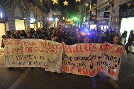 Más de un centenar de personas se manifiesta en Palma «por un alquiler digno»