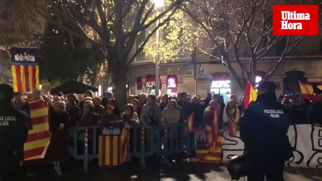 El soberanismo mallorquín sale a la calle y pide la libertad de los presos catalanes