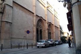 Ya no se puede aparcar ni en la calle ni en la plaza de La Lonja