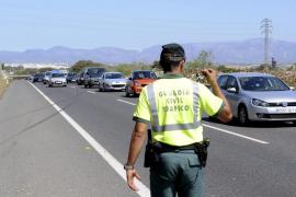 Una colisión entre vehículos causa importantes retenciones en la carretera Llucmajor-Campos