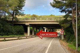 El impacto contra un pilar del puente, causa del accidente mortal en Palma