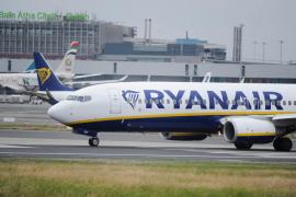 Ryanair debe garantizar el 100 % de los vuelos a las islas durante la huelga