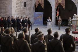 Cifuentes pide apoyo para mejorar la calidad de vida de los militares