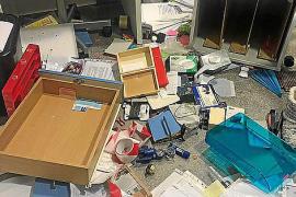 Asaltan de madrugada un colegio de s'Illot, roban 1.000 euros y causan daños