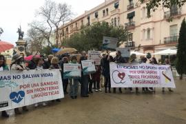 IBIZA - 'Mos Movem' se manifiesta en Ibiza para exigir la retirada del decreto del catalán