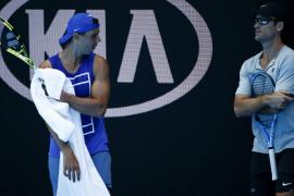 Rafael Nadal ya se entrena en Melbourne Park