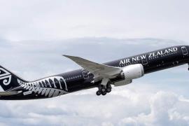 Pasajeros de un vuelo pasan dos horas encerrados con un cadáver