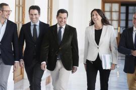 PP y Vox cierran un acuerdo para investir a Juanma Moreno