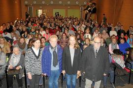 Oleada de emoción en el estreno de 'Terres de Fang' en Sant Llorenç