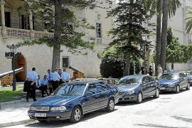 Presidència gasta 120.000 euros en la compra de uniformes
