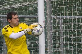 Iker Casillas, elegido mejor portero del 2011