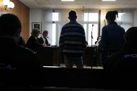 Dos años y medio de cárcel para una pareja por robar en un restaurante del Foro de Mallorca