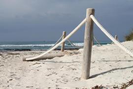 Calma a la platja d' Es Trenc