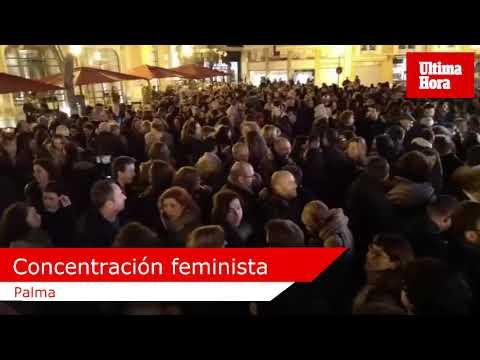 Centenares de personas se manifiestan en Palma por los derechos de las mujeres andaluzas
