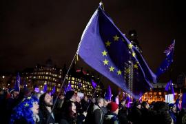 El Parlamento británico rechaza el acuerdo del «Brexit»