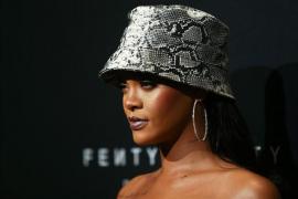 Rihanna lleva a su padre ante los Tribunales
