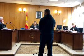 Dos años y medio de prisión por agredir a nueve funcionarios de la cárcel de Palma