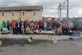 Medio centenar de personas reivindican la reapertura de la estación de tren de s'Enllaç