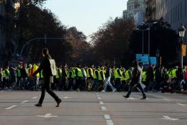 Los Mossos evitan que los taxistas puedan acceder a las puertas del Parlament de Cataluña