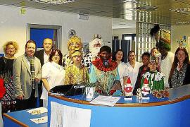Visita de los Reyes Magos a los hospitales de Mallorca