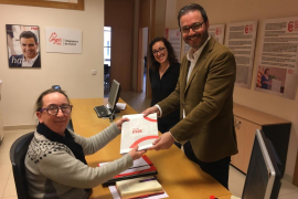 José Hila presenta los avales para su candidatura a la alcaldía de Palma