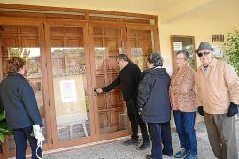 Los vecinos piden que al menos se puedan celebrar los funerales en es Capdellà