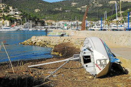 Cementerio de barcos en el Port d'Andratx