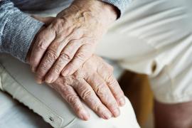 Una anciana de 91 años pasa 23 días sola en su casa sin comer ni beber
