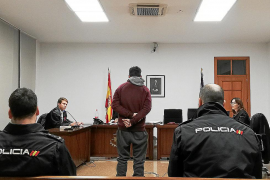 Condenado por atracar con un cuchillo a una mujer en plena calle en Palma