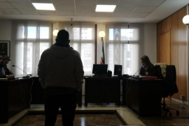 Dos años de prisión por agredir en Palma a una embarazada para intentar robarle