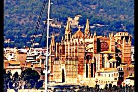 Navegar davant La Seu