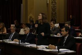 La oposición acusa al Govern de hacer «a la desesperada» el trabajo que «no ha hecho en cuatro años»