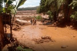 Al menos siete muertos y doscientos desaparecidos tras la rotura de una presa en Brasil