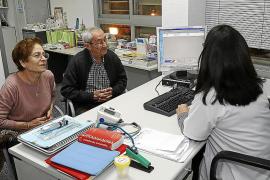 Un 14 % de los médicos de las Islas se jubilará en los próximos cinco años