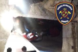 Herida una mujer tras caer 3 metros en una bodega en Porreres