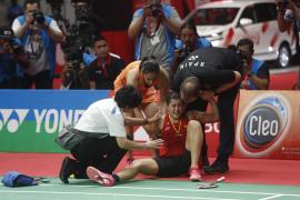 Carolina Marín se lesiona y abandona en Indonesia