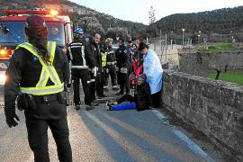 Auxilian a una mujer que metió una pierna en una alcantarilla de Andratx