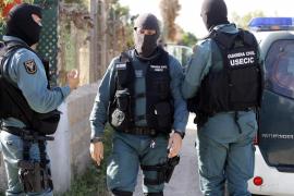 Buscan en Ibiza a varios encapuchados que asaltaron dos viviendas