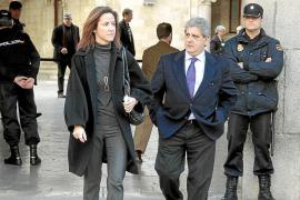 Dulce Linares: «No me hubiese jugado la carrera para enmascarar el contrato de Alemany»