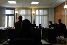 Casi dos años de prisión para una mujer por dar un tirón a una anciana en Palma