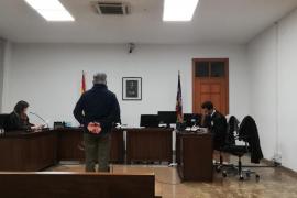Dos años de cárcel por atracar a punta de cuchillo a una mujer en Sa Coma