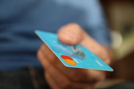 Tres detenidos en Palma por estafar 1.600 euros con una tarjeta robada